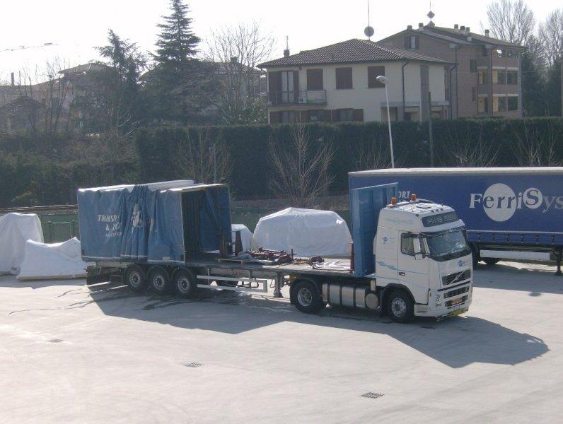 Dettaglio su camion per trasporti speciali